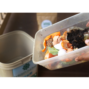 Bokashi Bucket Food Scraps